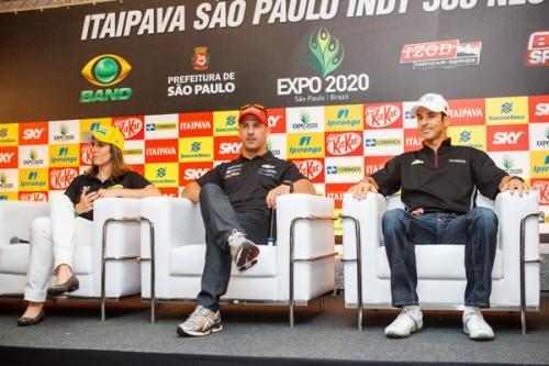 Bia Figueiredo, Tony Kanaan e Hélio Castro Neves (Vinicius Branca/Fotoarena)