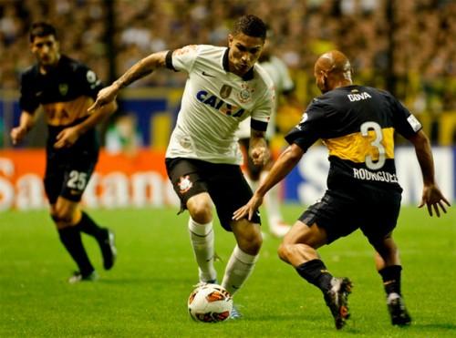 Guerrero atua contra o Boca Juniors em Buenos Aires (Rodrigo Coca/Agência Corinthians)