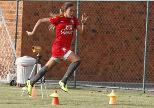 Gabriela Nunes com a seleção sub-17 em 2013 (Rafael Ribeiro/CBF)