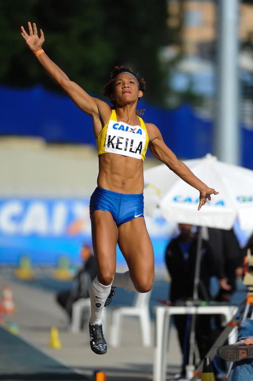 Keila Costa no salto em distância (Agência Luz/BM&FBOVESPA)