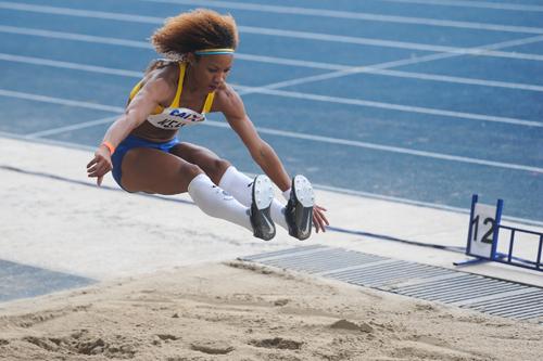 Keila Costa repete ouro do distância no salto triplo (Agência Luz/BM&FBOVESPA)