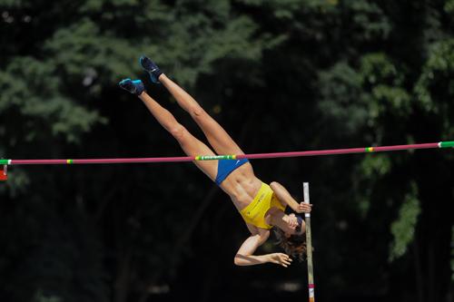 Fabiana Murer salta em São Bernardo (Agência Luz/BM&FBOVESPA)
