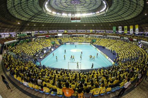Ginásio Poliesportivo são-bernardense em domingo de Brasil x Noruega (Bruno Miani/Photo&Grafia)