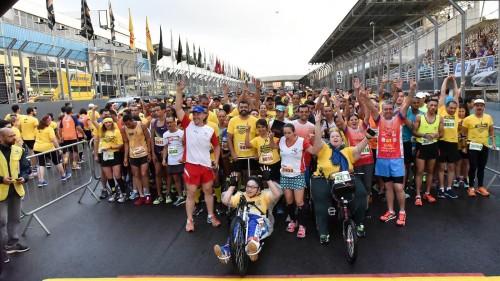 Momentos antes da largada da Run Stock Car-2016 em Interlagos (Esportividade)